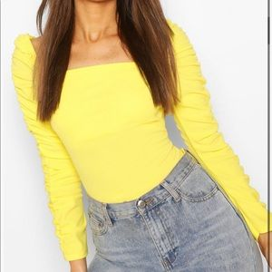 Boohoo Crepe Square neck Ruched  sleeve top
